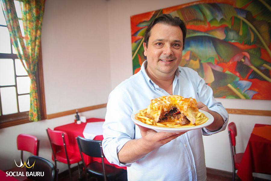Esta é uma das especialidades do Vila Graziella - a Francesinha