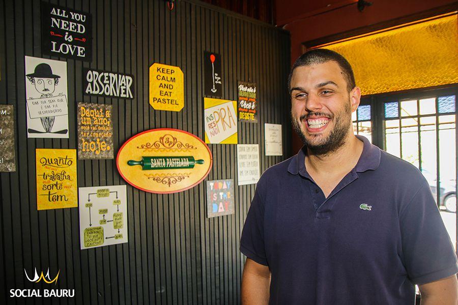 Gabriel Cabreira é o proprietário da Santa Pastelada