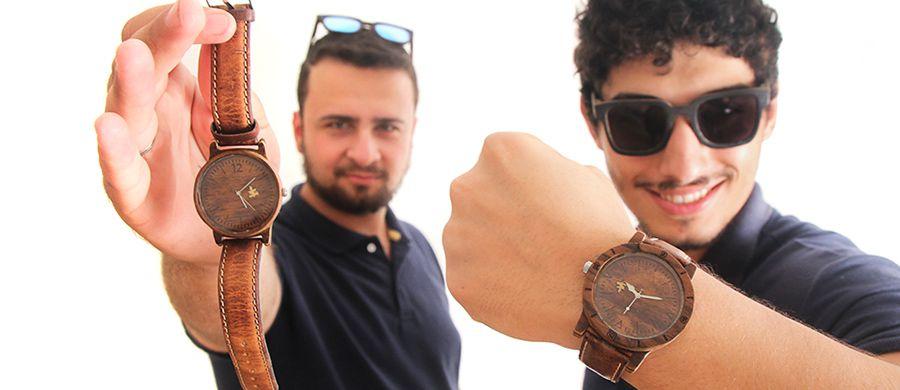 Depois de sucesso com óculos, bauruenses inovam e produzem relógio de  madeira 07e7ecea57