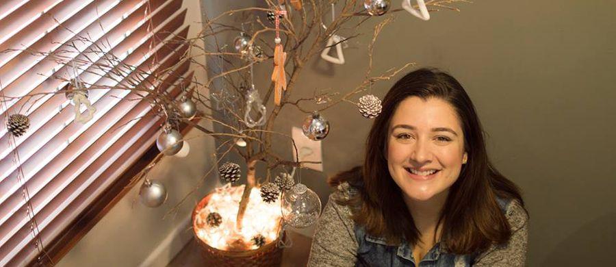 """""""Eu estava doida pra montar minha árvore de Natal esse ano, já que era  minha primeira fora de casa. Então, comecei a discutir o estilo dela com o  meu marido ... fd33193780"""