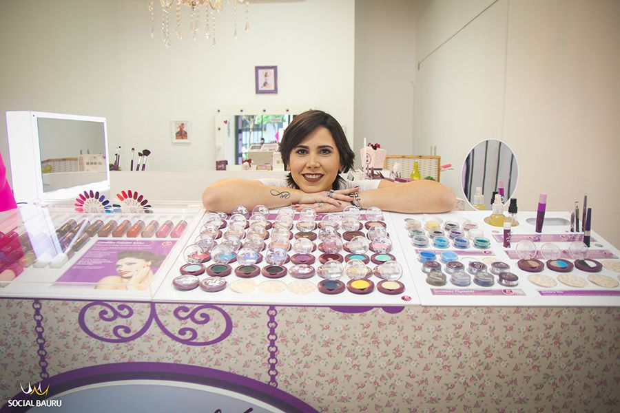 Dora Busch é a proprietária da Felicittá Looks Bauru