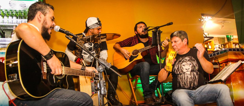 Free Sessions: músicos de diferentes bandas fazem shows dinâmicos todas as quintas no Empório São Lourenço em Bauru