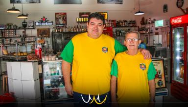 """Com 70 anos de idade, Brecha continua à frente do bar """"que nunca fecha"""" em Bauru"""