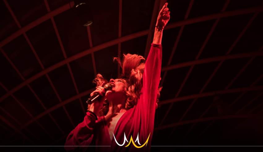 Letrux traz o rock dançante em show gratuito nesta quarta-feira (31) em Bauru