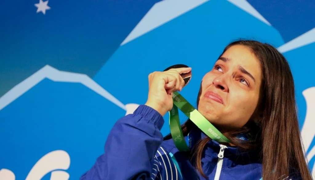 243f86434 Catia Oliveira com a medalha de prata do Mundial Paralímpico de Tênis de  Mesa (Foto: Roberto Castro)