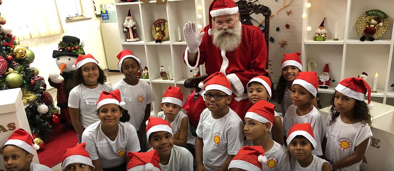 Os bauruenses já podem adotar uma cartinha e ser um Papai Noel dos Correios