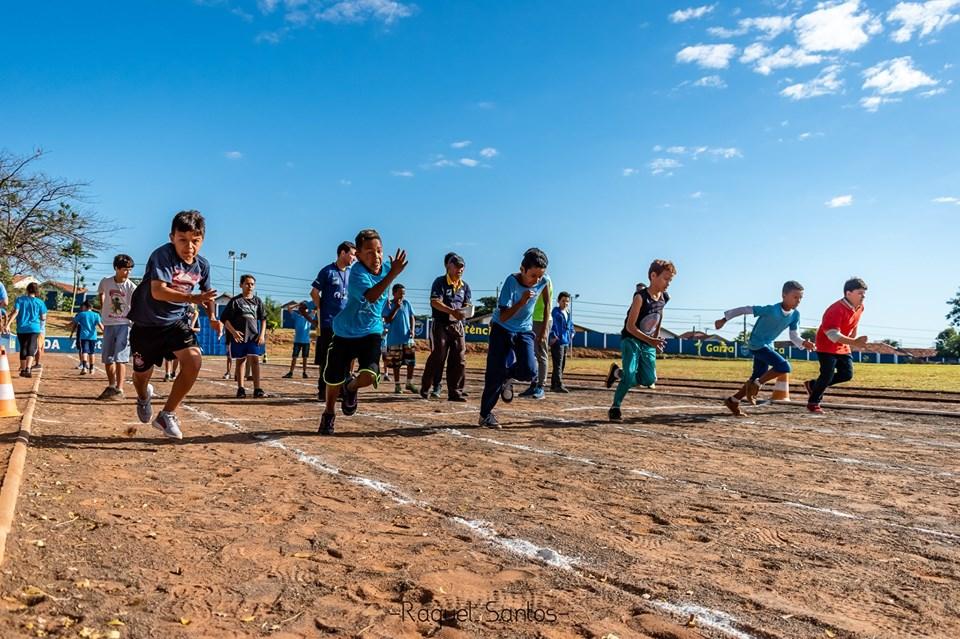Alunos da ABDA treinando no Estádio Dorival Cosmo - Campo do Oriente.