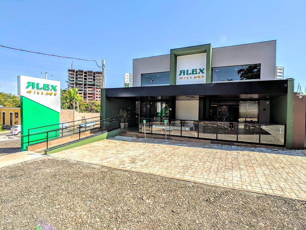 Há mais de dezenove anos em Bauru, a rede Alex Restaurante, fruto de um empreendimento familair, inaugura sua quarta unidade, o Alex Village.