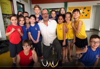 Fundado em 1925,a escola Guedes de Azevedo, adotará, em 2020, o material Pueri Domus, e, com ele, o ensino bilíngue integrado a todas as matérias.