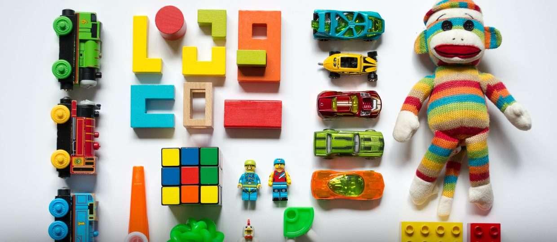 Ação para arrecadar brinquedos e leite para ONG Casa da Esperança