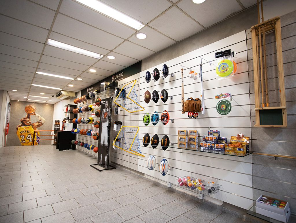 Espaço interior da loja Globo Sports