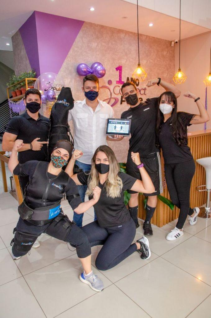 Equipe de eletroestimulação muscular