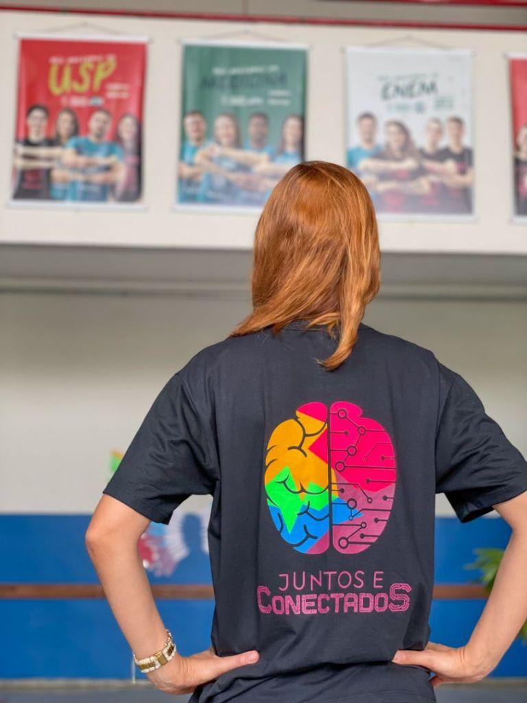Campanha do colégio é Juntos e Conectados